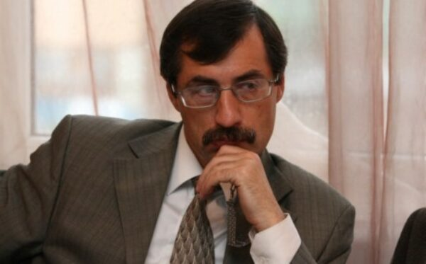 Евгений Жовтис: Мы все больше втягиваемся в «смутное время»