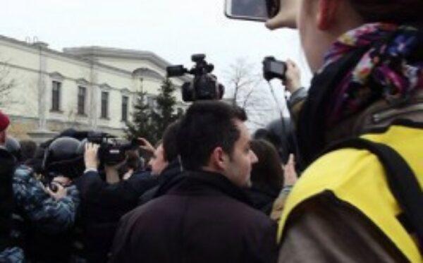 Фонд «Открытый Диалог» оказывает гуманитарную помощь активистам Евромайдана