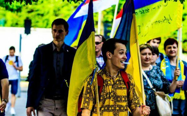 Пикет у посольства Франции в Варшаве