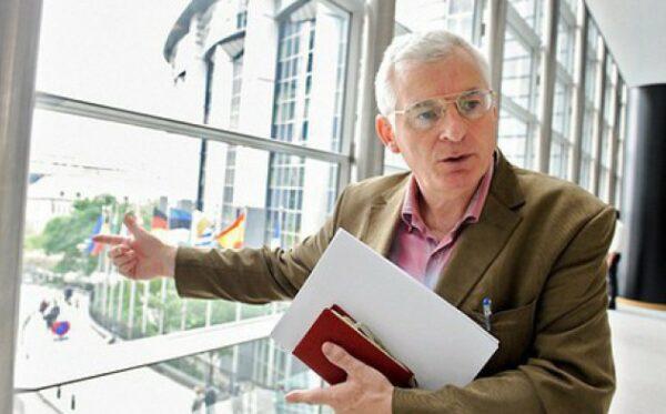 Ирландский парламентарий защищает В. Курамшина