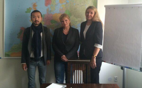 Близкие казахстанских диссидентов встретились с польскими депутатами