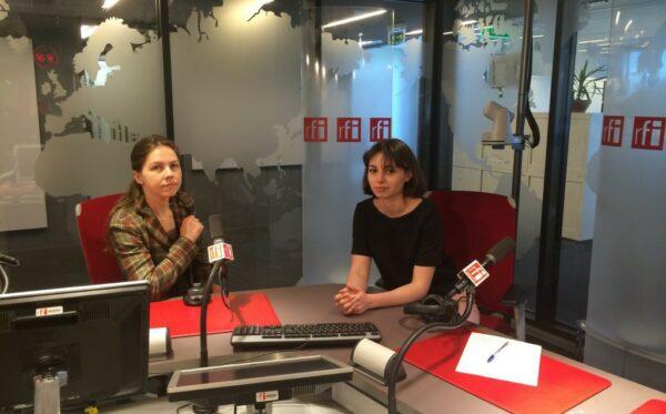 Вера Савченко в Париже, Брюсселе и Страсбурге рассказывала о преследованиях Надежды Савченко