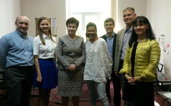 Мэр Варшавы встретилась с представителями украинских неправительственных организаций
