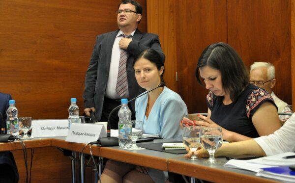 Восстановление судебной системы путем изменения Конституции Украины – дебаты в Киеве