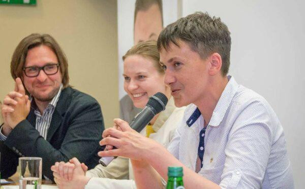 Н. Савченко в Варшаве: «Украинские политические заключенные нуждаются в вашей поддержке. Освободив меня, вы уже знаете, как это делается»