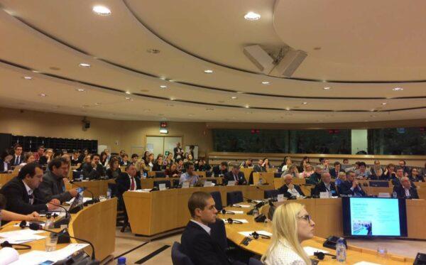 Дебаты в Европарламенте на тему Минских соглашений, отношений между Россией и Европейским Союзом и роли наложенных санкций