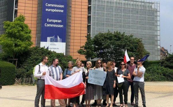 Европа, не отворачивайся от Польши!