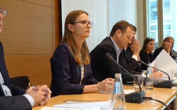 В Бундестаге Президент Фундации «Открытый Диалог» рассказала о ситуации в Польше