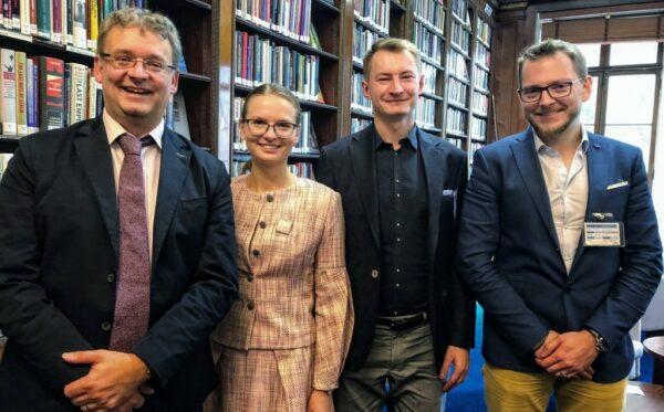Как защищать основы правопорядка и демократии? Представители Фундации «Открытый Диалог» совершили трехдневный визит в Лондон