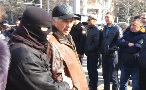 «Жаркий» февраль в Казахстане: сотни задержанных и преследуемых участников мирных собраний