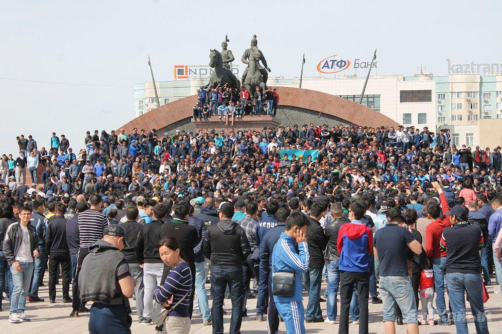 Митинг в Атырау, 24.04.2016. Фото: Ак Жайык